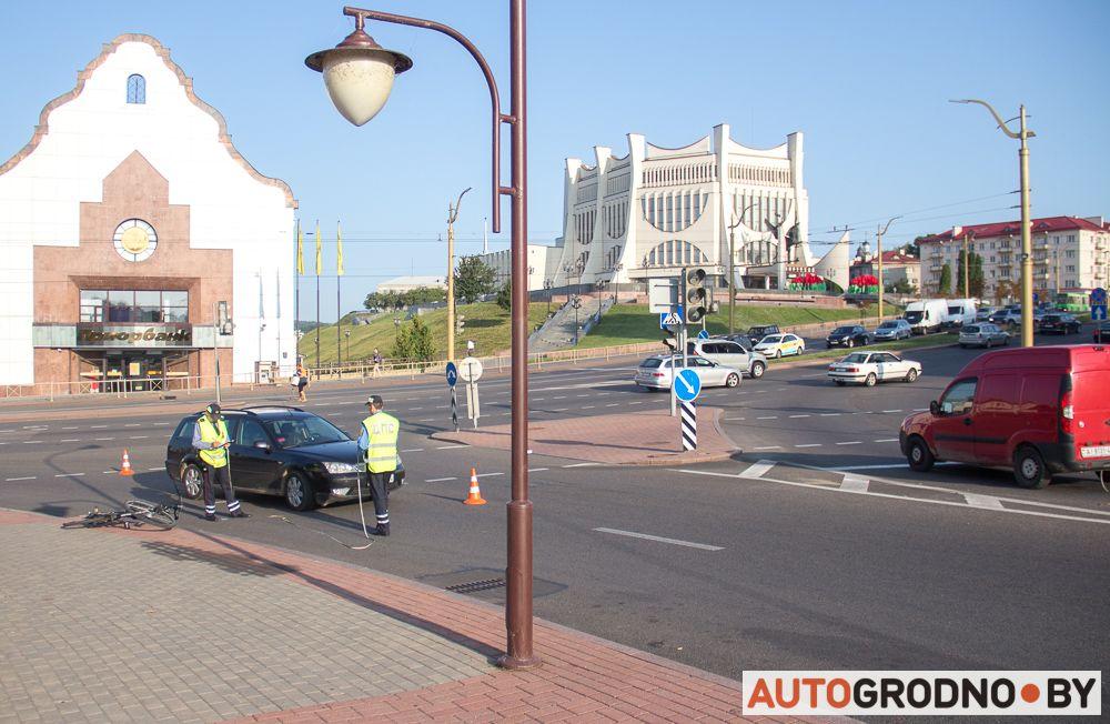 В Гродно сбили велосипедиста. Он не спешивался
