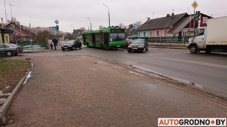 mini avtobus opel 06 02
