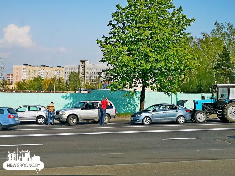 ДТП с трактором на улице Победы в Гродно
