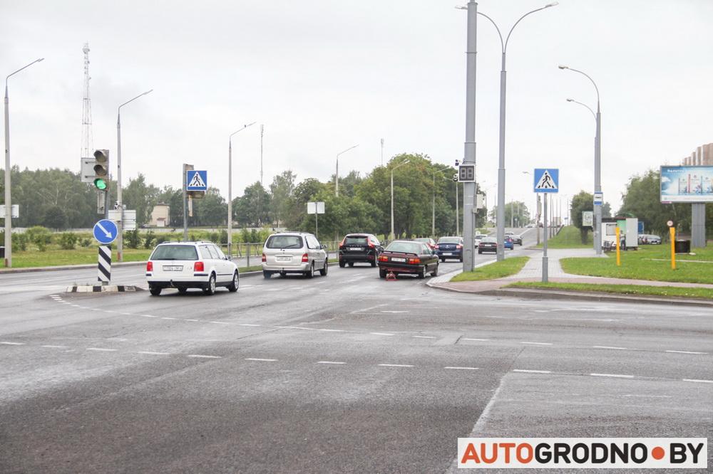 Камера ловит нарушителей проезда на красный сигнал светофора в Гродно