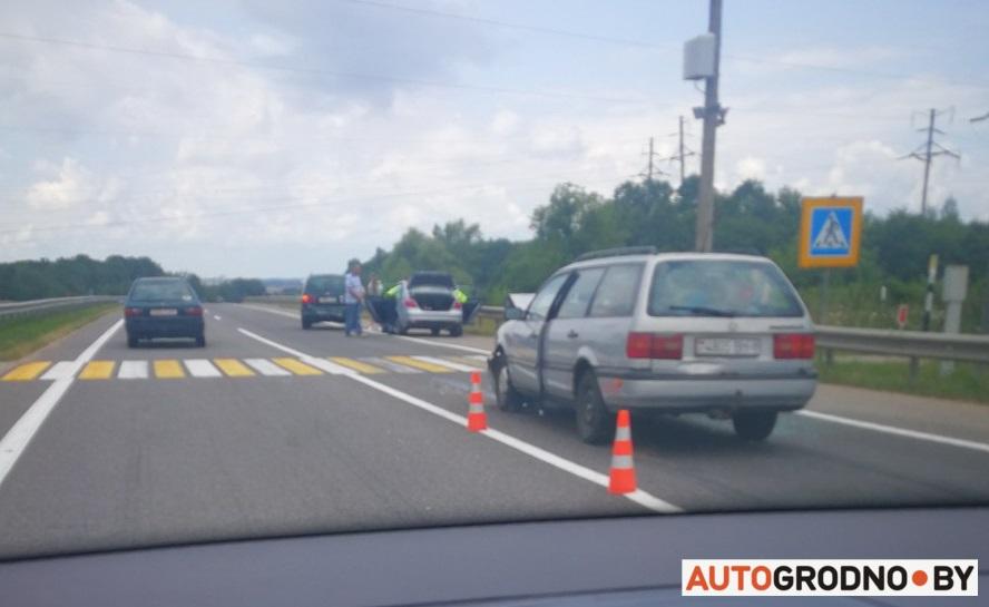 Авария на Въезде в Гродно на пешеходном переходе возле камеры