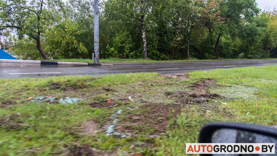 Переворот автомобиля на улице Курчатова в Гродно