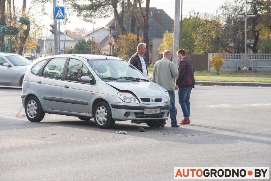 Авария на перекрестке Сов.Пограничников и О.Соломовой 18 октября 2019