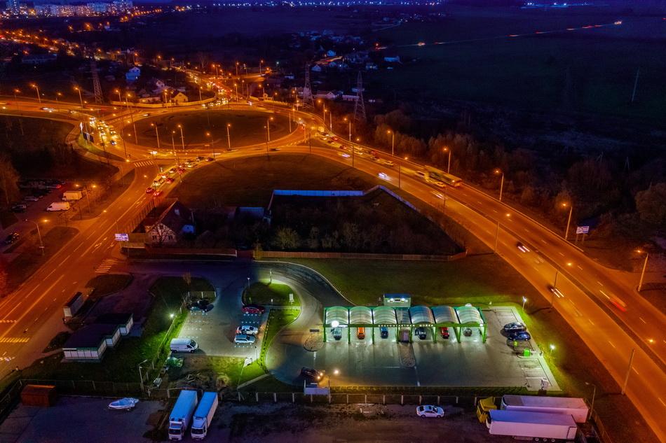 Светящаяся парковка на мойке 7 минут в Гродно