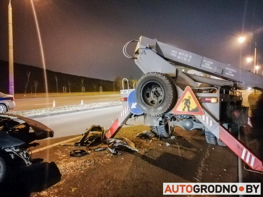 Авария на Магистральной - удар в вышку 18-11-2019