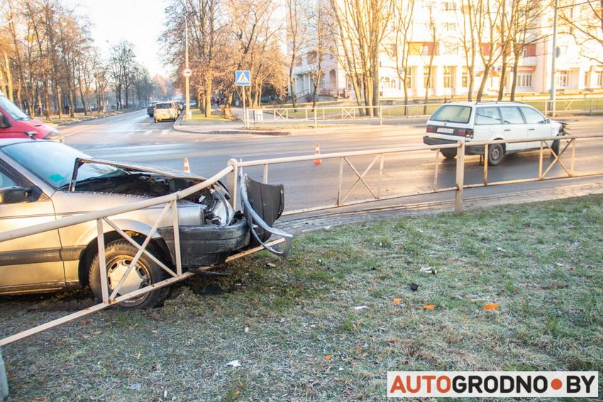 Авария двух Пассатов в Гродно 11 декабря 2019