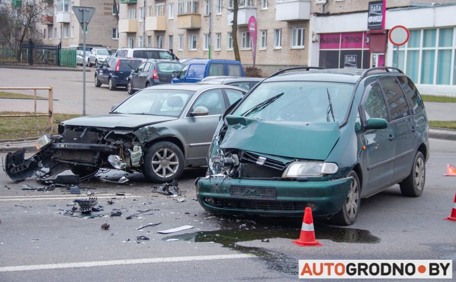 Авария на перекрестке улиц Советских пограничников и Гагарина 20 января 2020 Гродно
