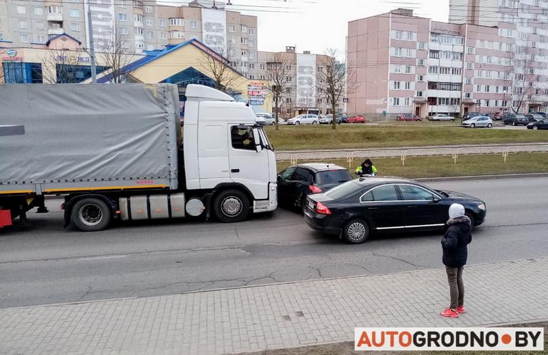 авария в Гродно Пежо с фурой, регион Санкт-Петербург