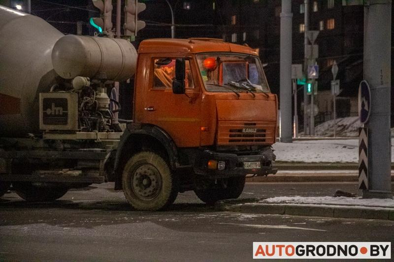 Свернул под КАМАЗ - дтп в Гродно 5 февраля