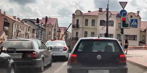 Разворот на зеленую стрелку на автовокзале в Гродно правила