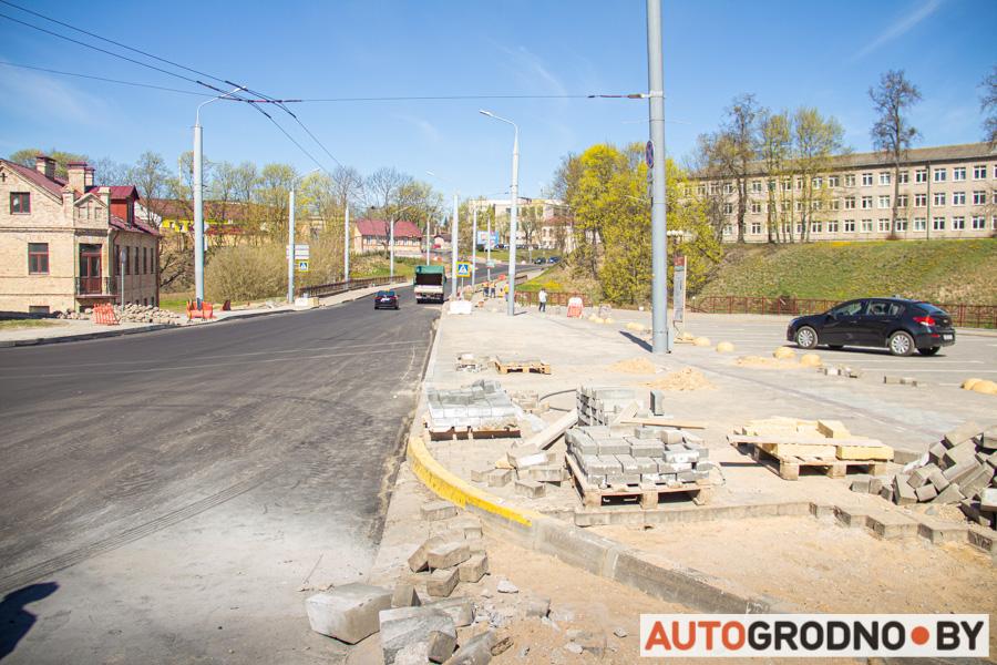 На улицах Виленская и Большая Троицкая в Гродно убрали парковку