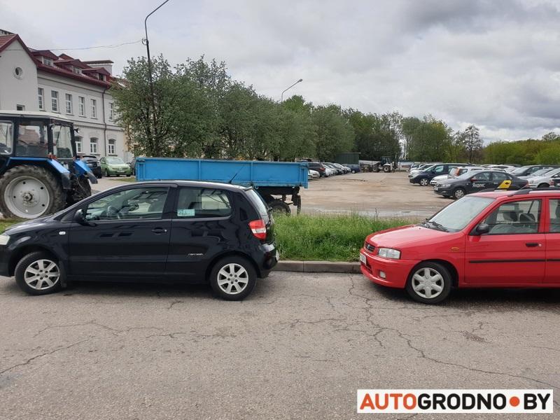 Парковка на Большой Троицкой в Гродно