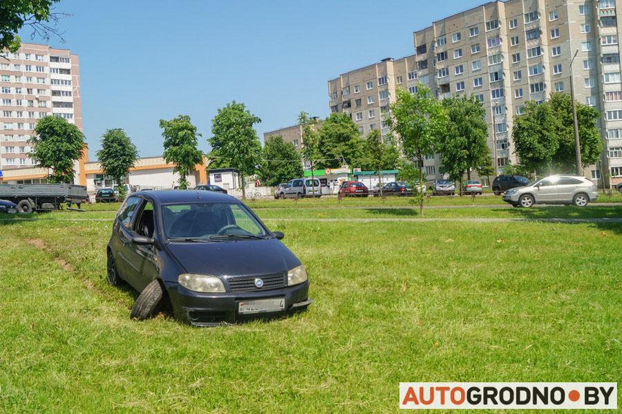 На Вишневце фура из Белостока отправила в кювет гродненский Fiat Punto