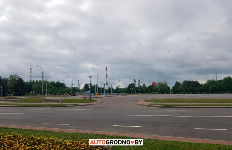 Приезд Лукашенко в Гродно - на АЗОТе моют парковку