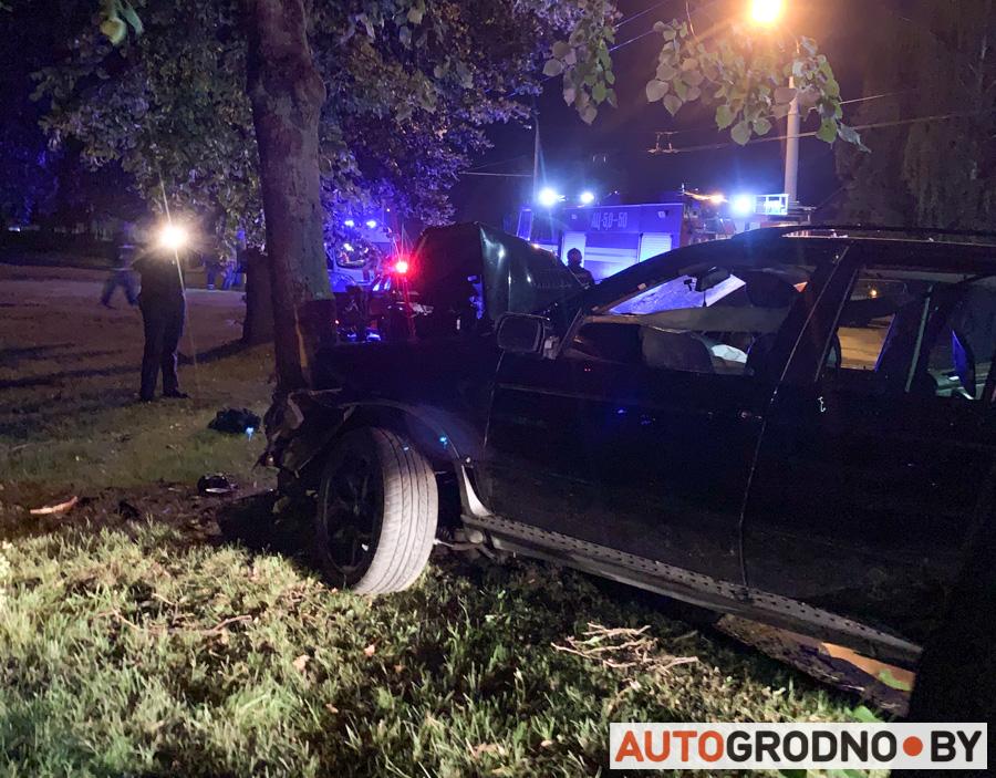 Авария с BMW X5 ночью 12 июля 2020