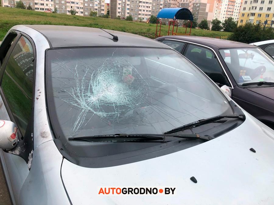 Девушка смогла забрать из гродненской милиции свой Fiat, который ОМОН разбил дубинками