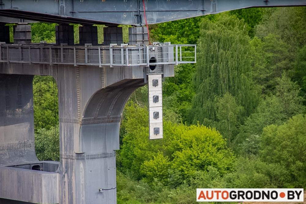 Светофоры для речных судов на Восточном мосту Гродно