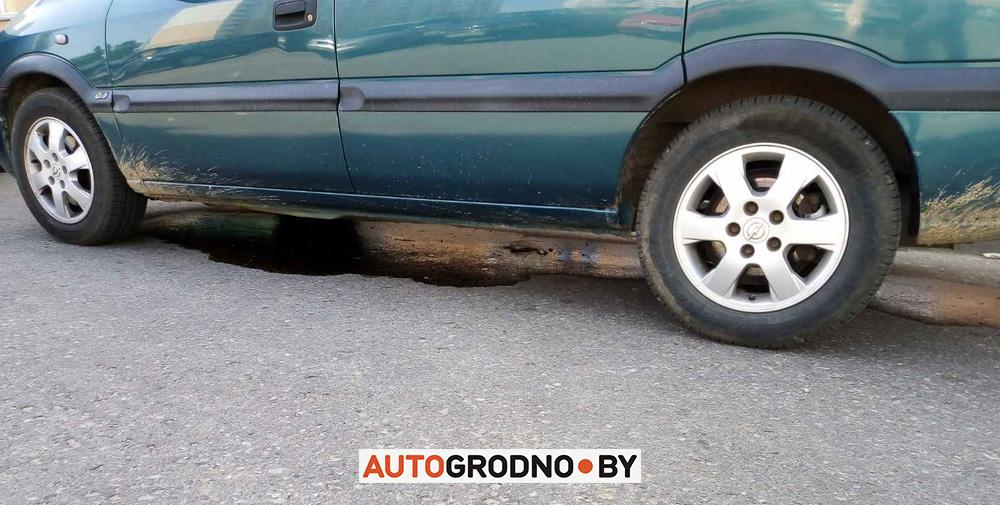 Масло под автомобилем