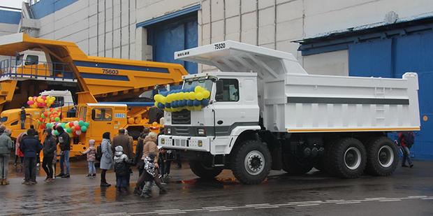 БелАЗ будет собирать китайские самосвалы. В Жодино представили новую модель  - Автомобили Гродно
