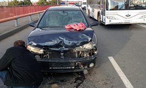 В Лиде на путепроводе столкнулись четыре автомобиля. Объезжая это ДТП, Ауди въехала в грузовой МАЗ.